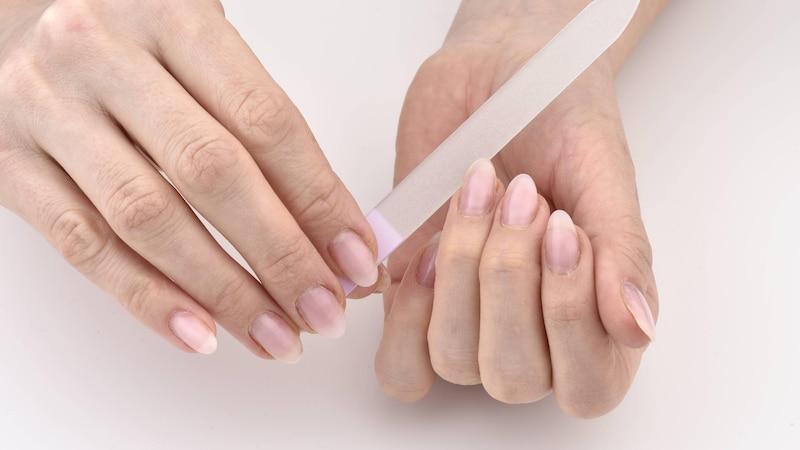 Weiche Fingernägel: Ursachen und was dagegen hilft