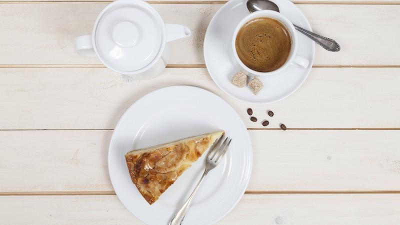 Kaffeetisch decken: So geht's laut Knigge