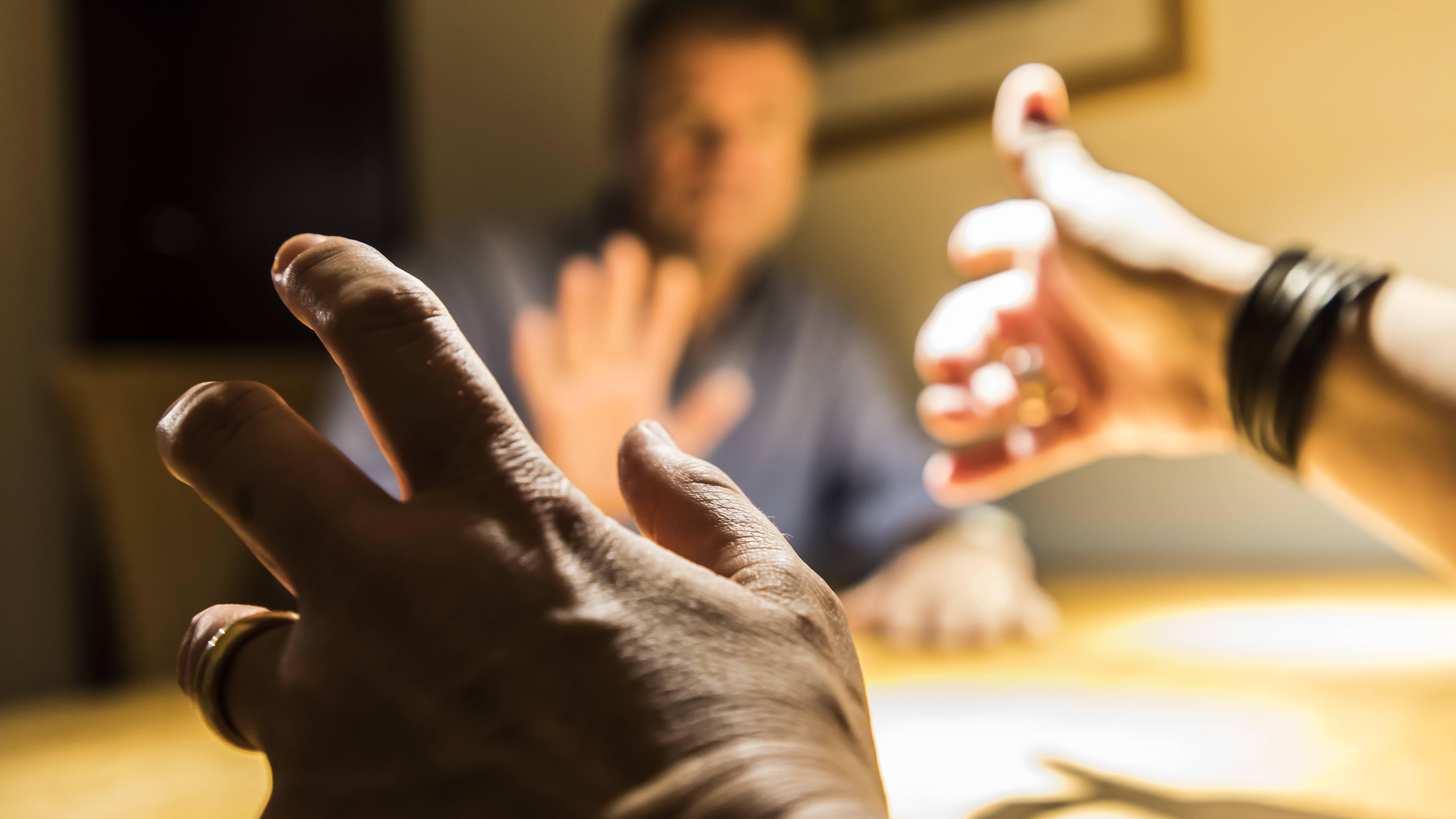 Toxische Männlichkeit: So erkennen Sie das Verhalten in Beziehungen