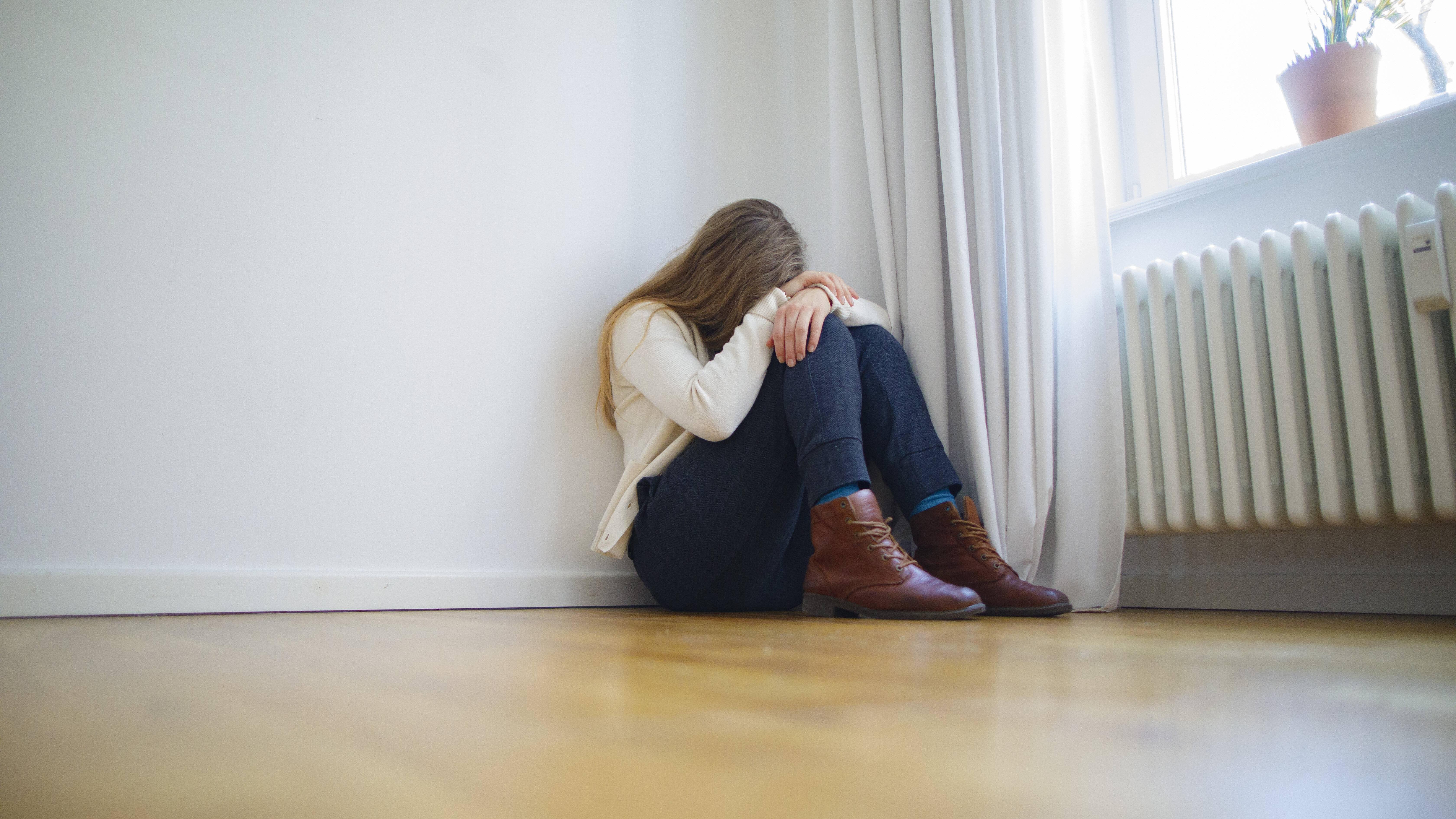 Depression bei Teenager: Symptome, Ursachen und Behandlung