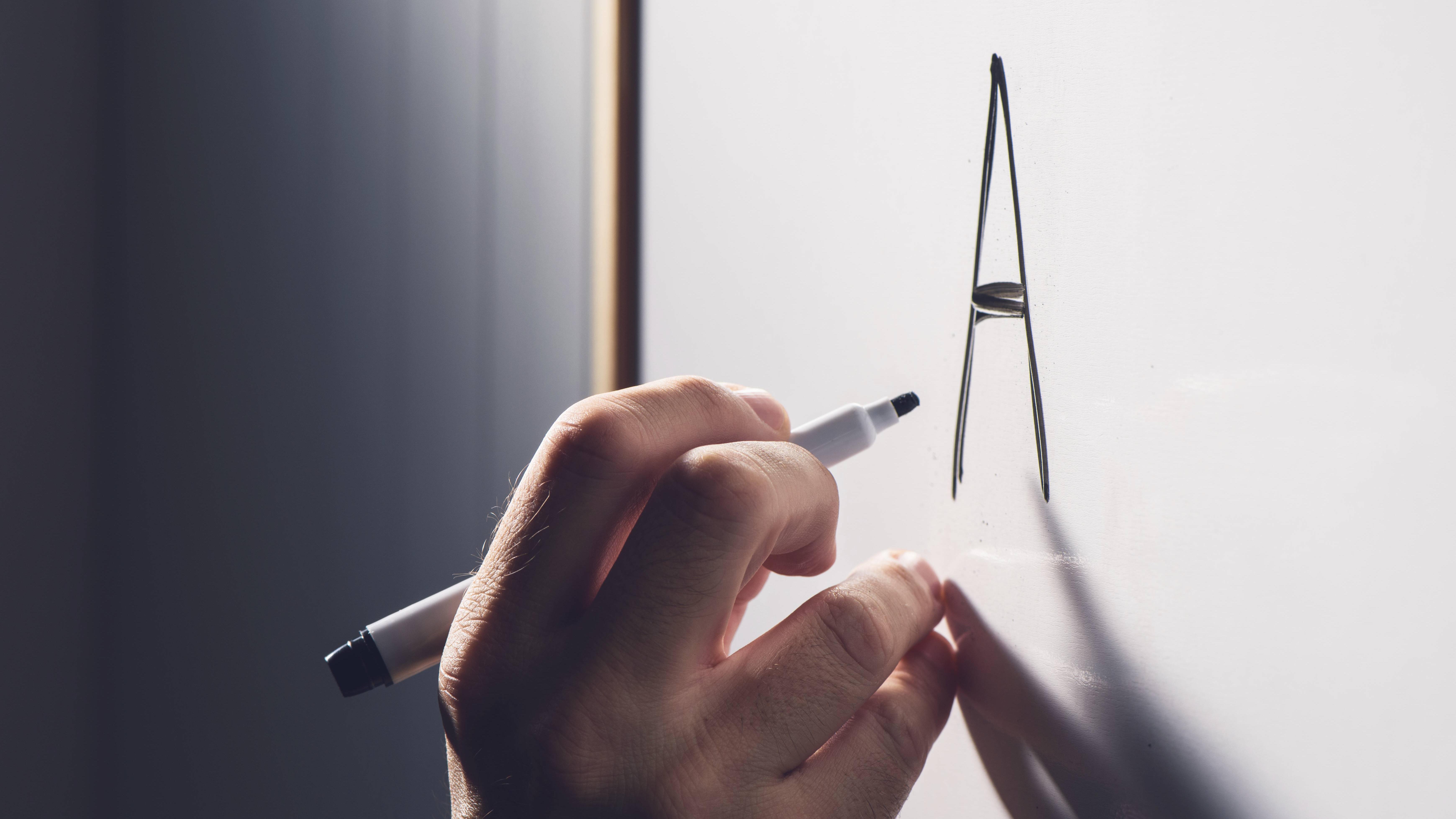 Whiteboard sauber machen: Die besten Tipps und Tricks