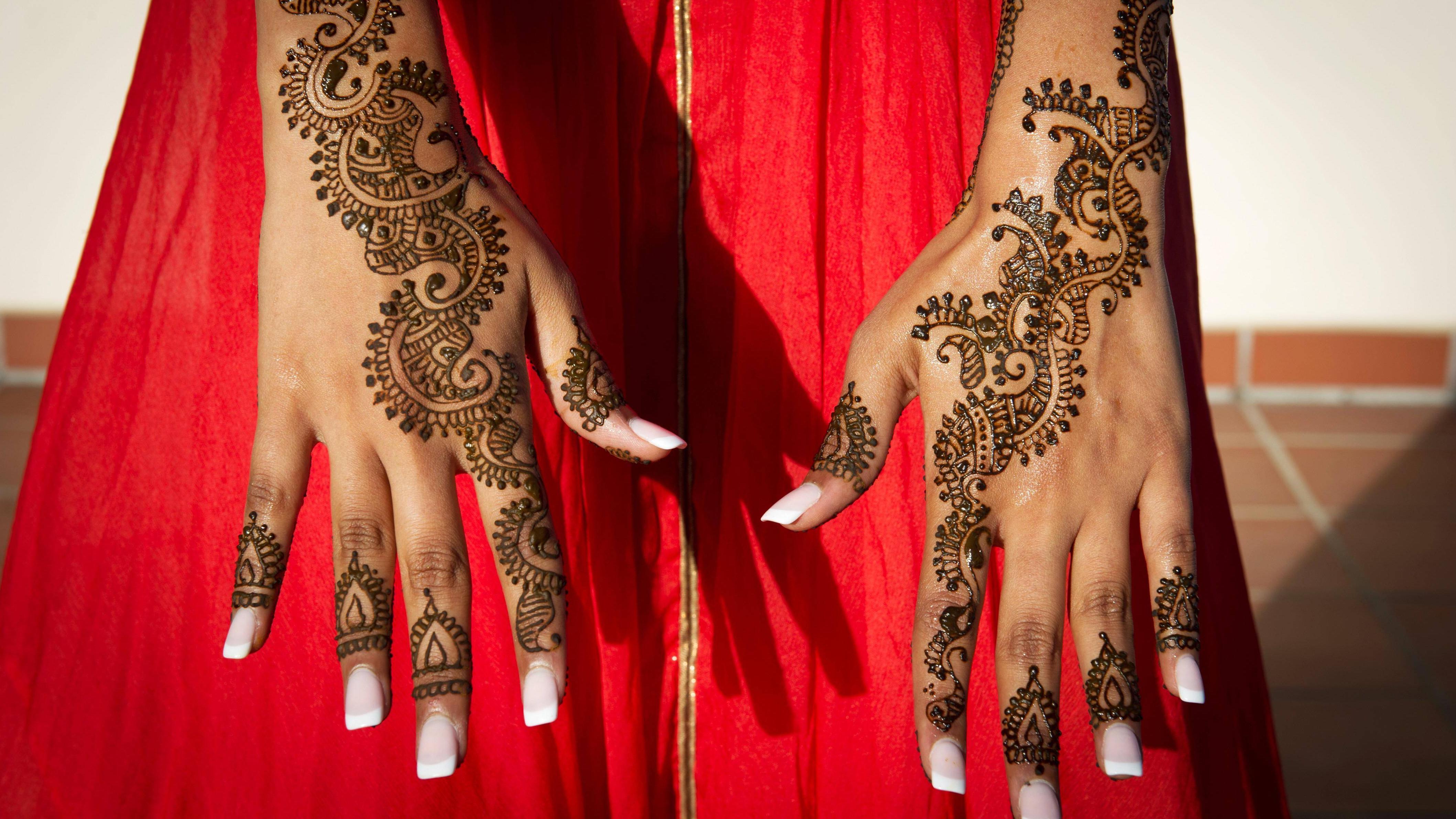 Reines Henna selbst löst keine Allergie aus.