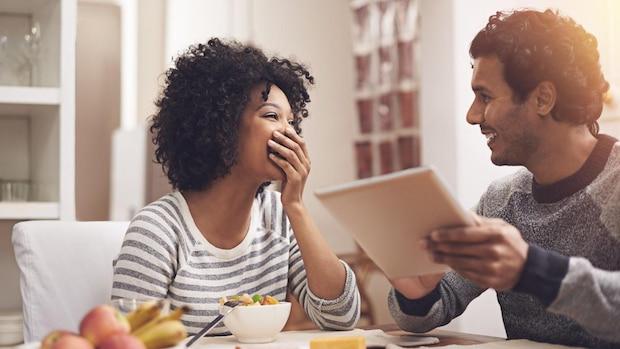 Um gut auf Ihr Baby vorbereitet zu sein und die Zeit mit dem Familienzuwachs direkt genießen zu können, hilft eine Checkliste für die Erstausstattung.