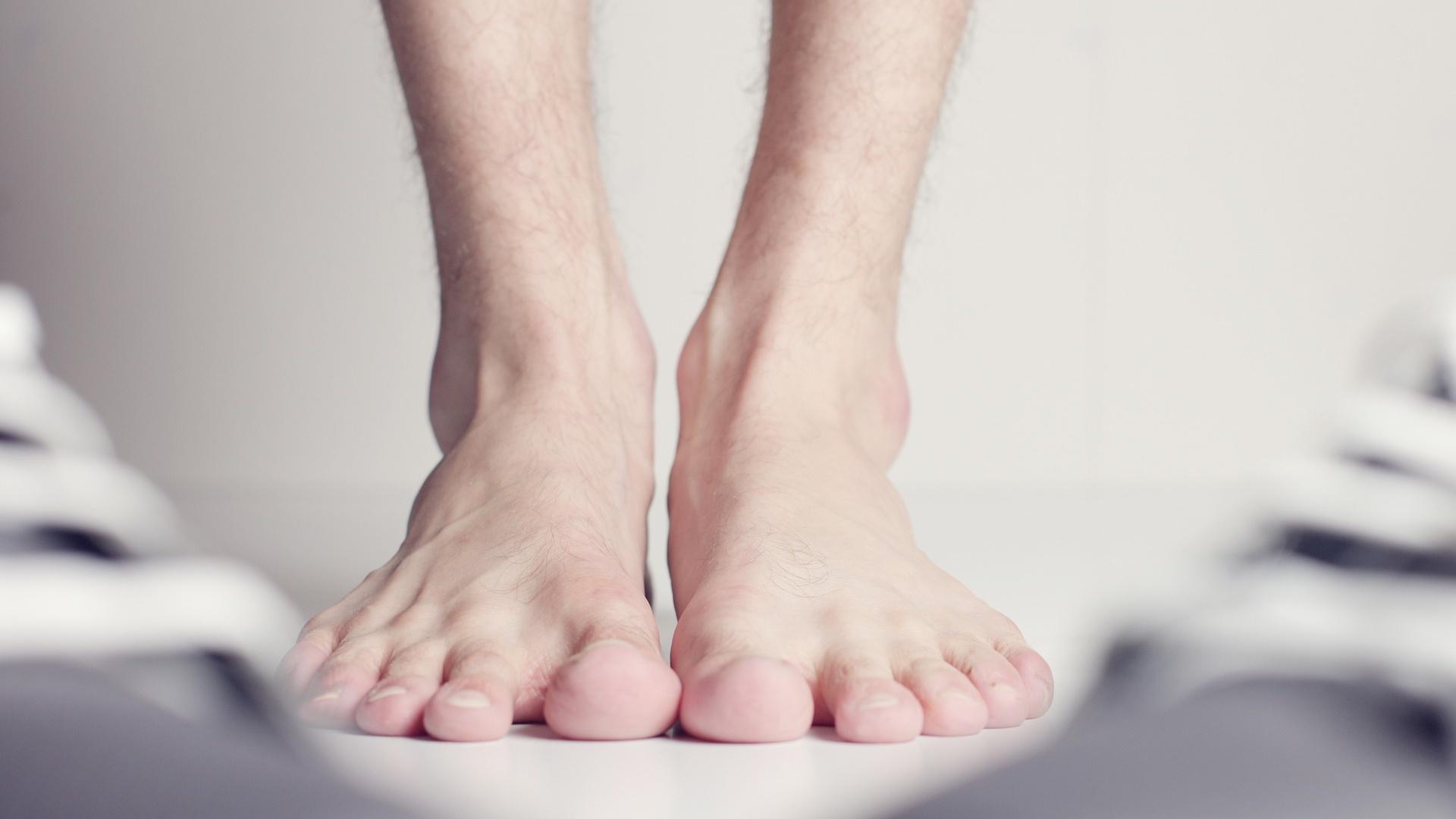 Riss im Fußnagel: Das können Sie tun
