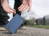 Eine Handyversicherung hilft gegen böse Überraschungen.