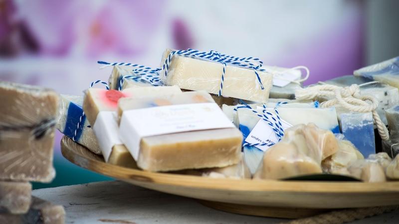 Feste Seifen und Shampoos günstig kaufen und aufbewahren – so funktioniert's