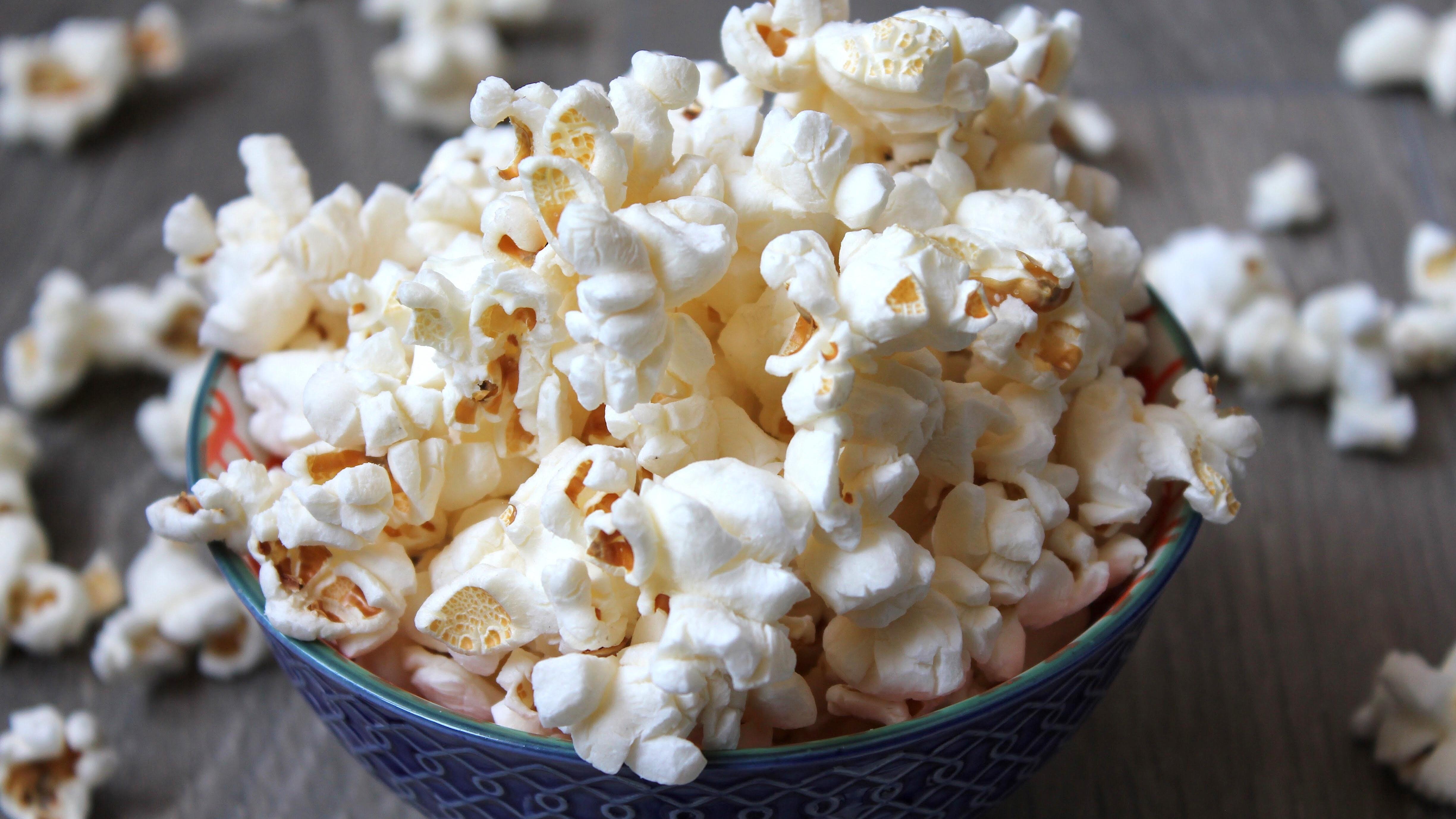 Ein Kino-Tag zu Hause eignet sich hervorragend als Kinderbeschäftigung bei Regen.