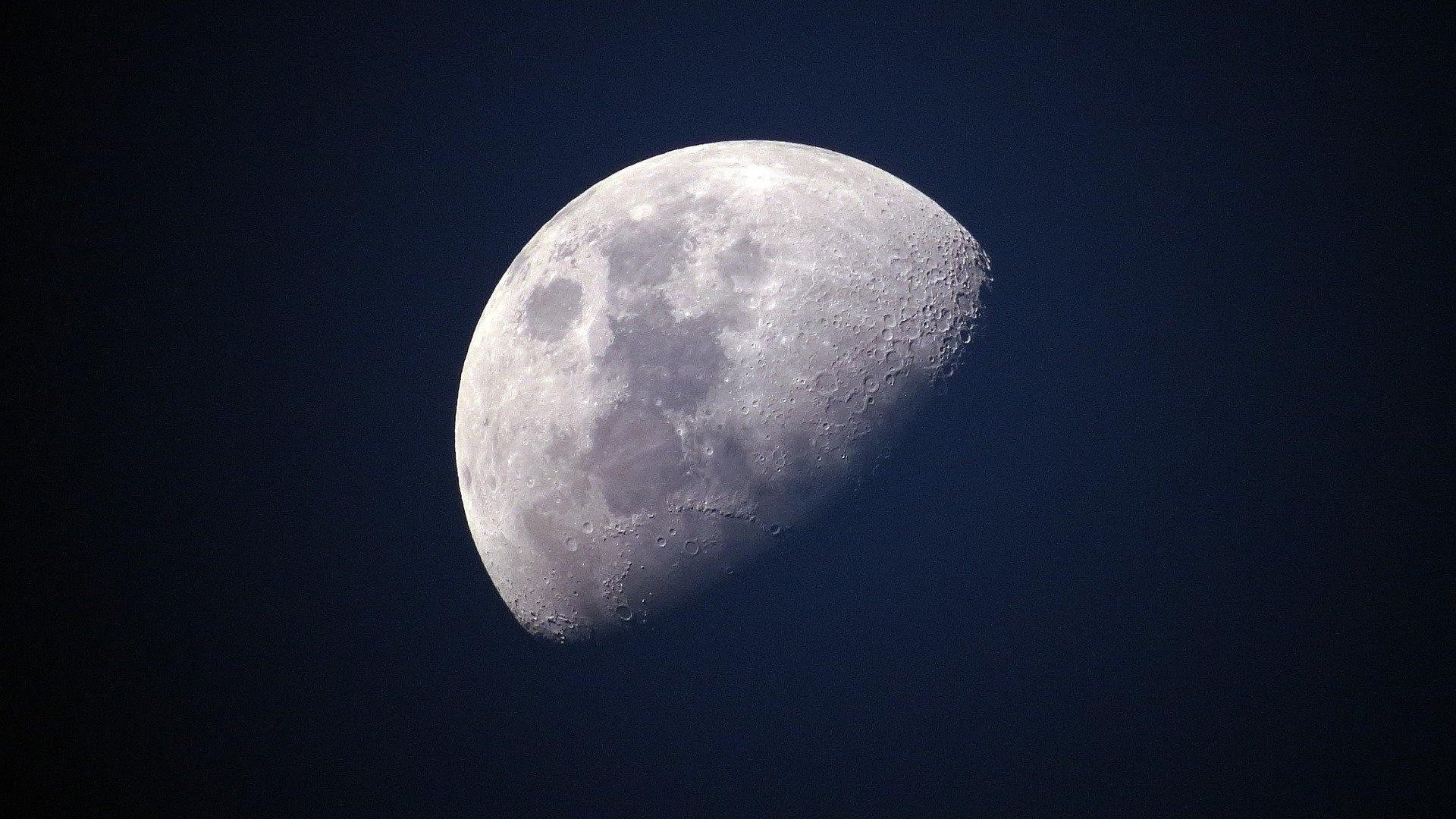 Die Bedeutung eines Mond-Tattoo kann unterschiedlich ausfallen, je nach Mondphase.