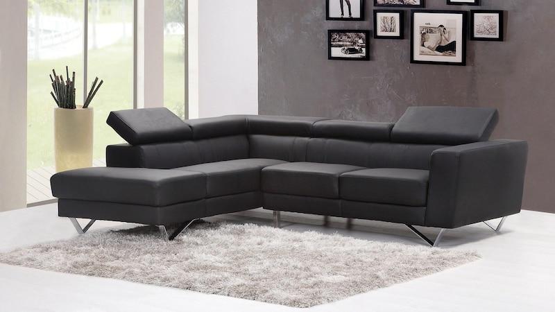 Viele verschiedene Schäden oder Beschmutzungen am Sofa können Sie gut selbst reparieren.