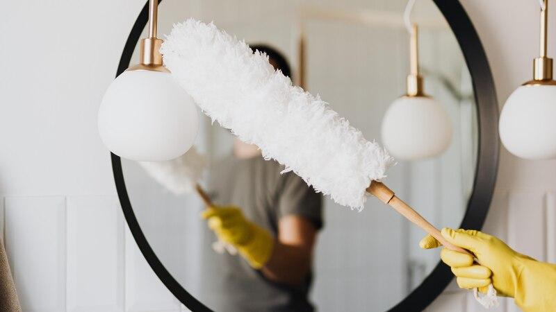 Die richtigen Reinigungsutensilien parat zu haben ist entscheidend für ein erfolgreiches speed cleaning.