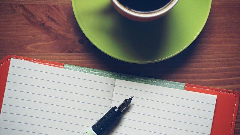 Journal schreiben hat bei konsequenter Anwendung verschiedene positive Auswirkungen auf Sie.