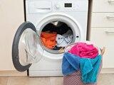 Der Waschtrockner vereint Waschmaschine und Trockner in einem Gerät.