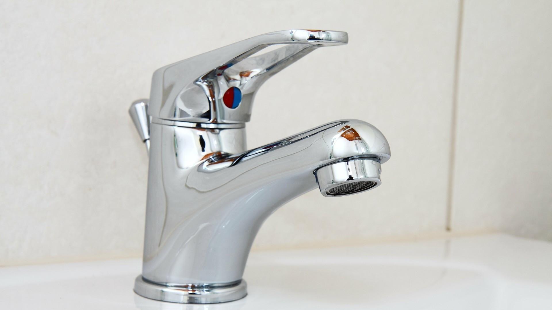 Wasserhahn verstopft - so beheben Sie das Problem