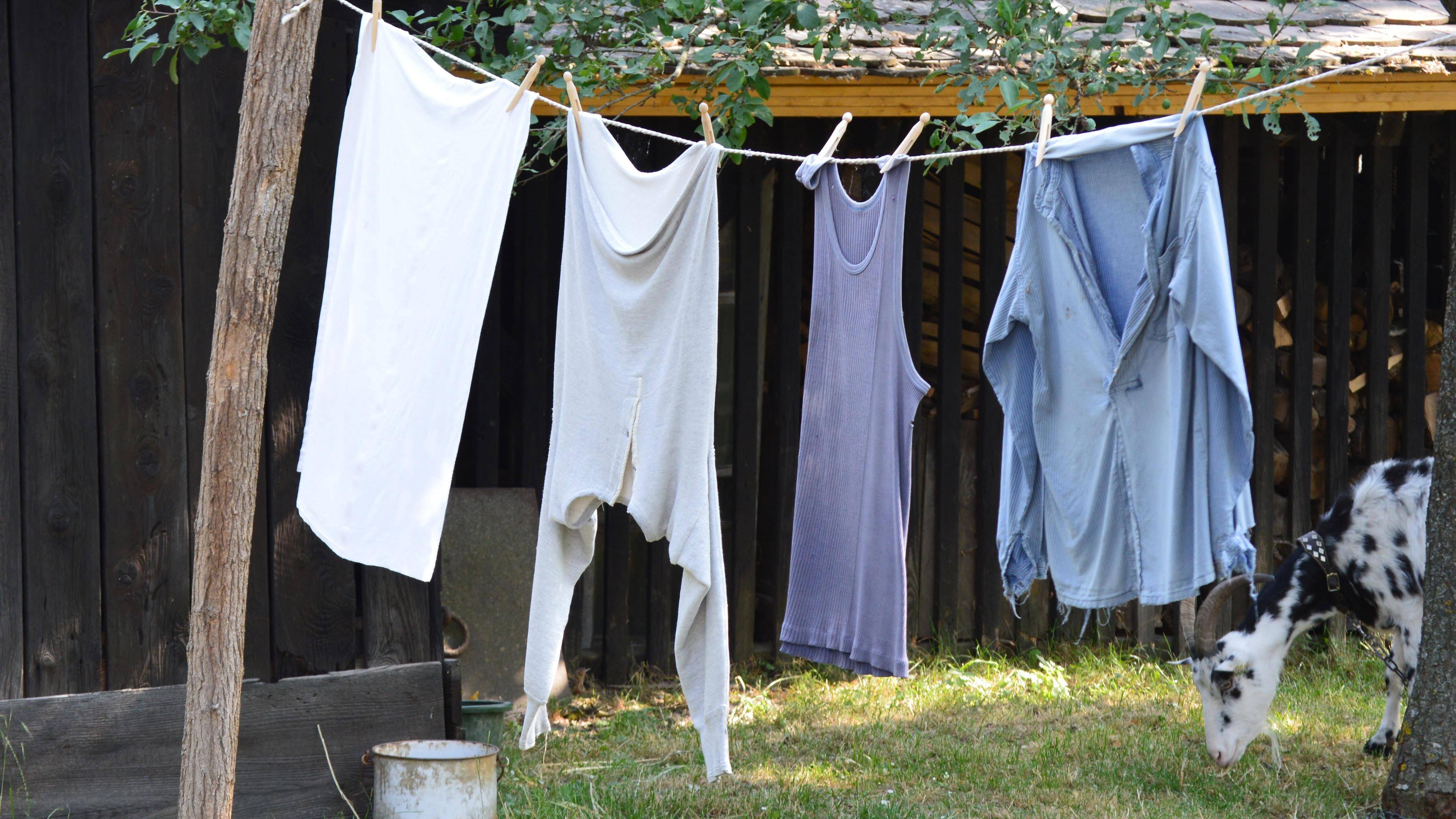 Nachhaltig waschen durch weniger Wäsche.