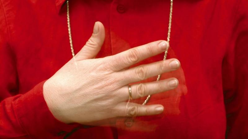 Brustschmerzen während der Wechseljahre: Was tun? Ursachen und Tipps