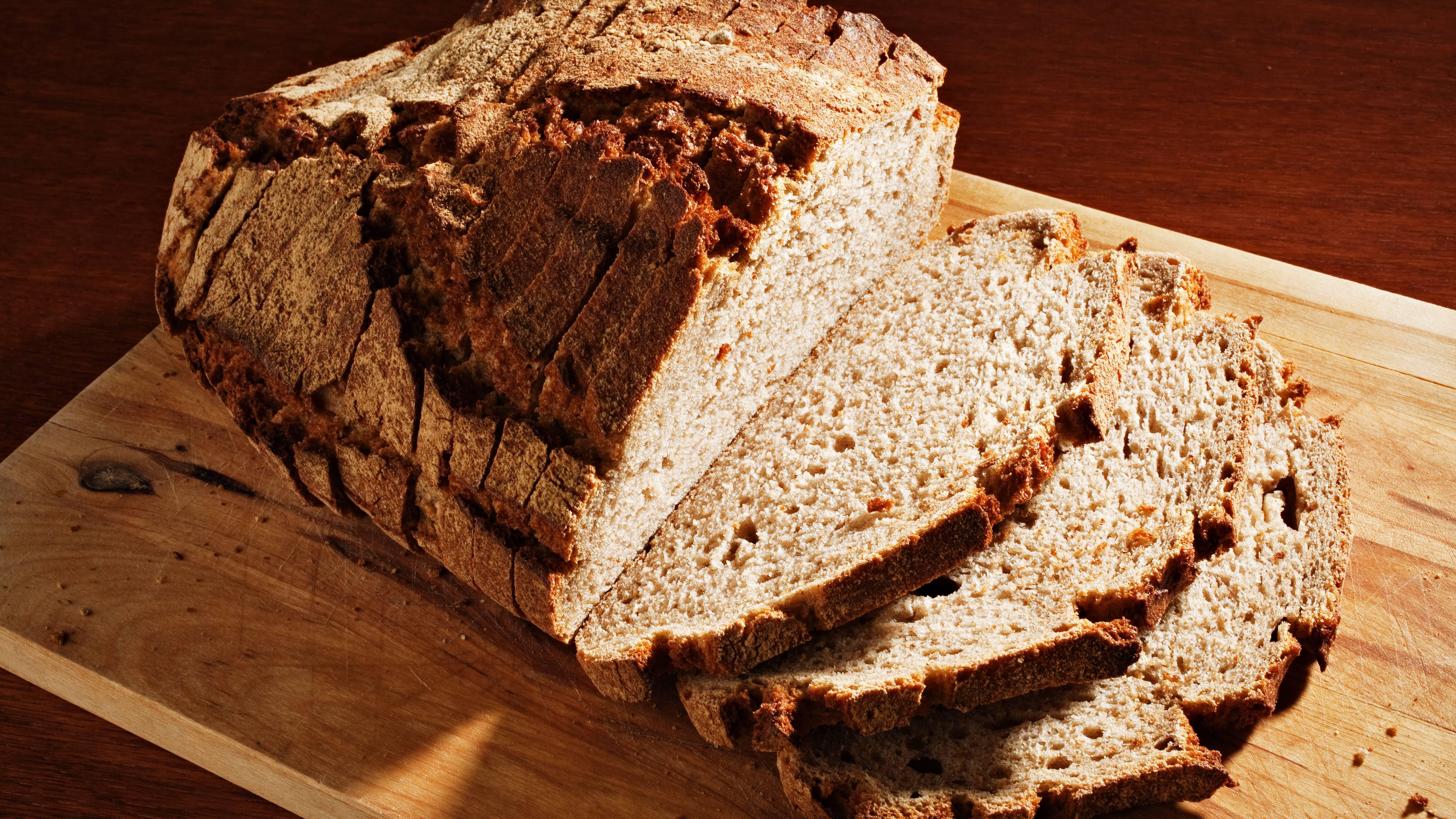 Glutenfreies Brot kann leicht selbst gemacht werden.