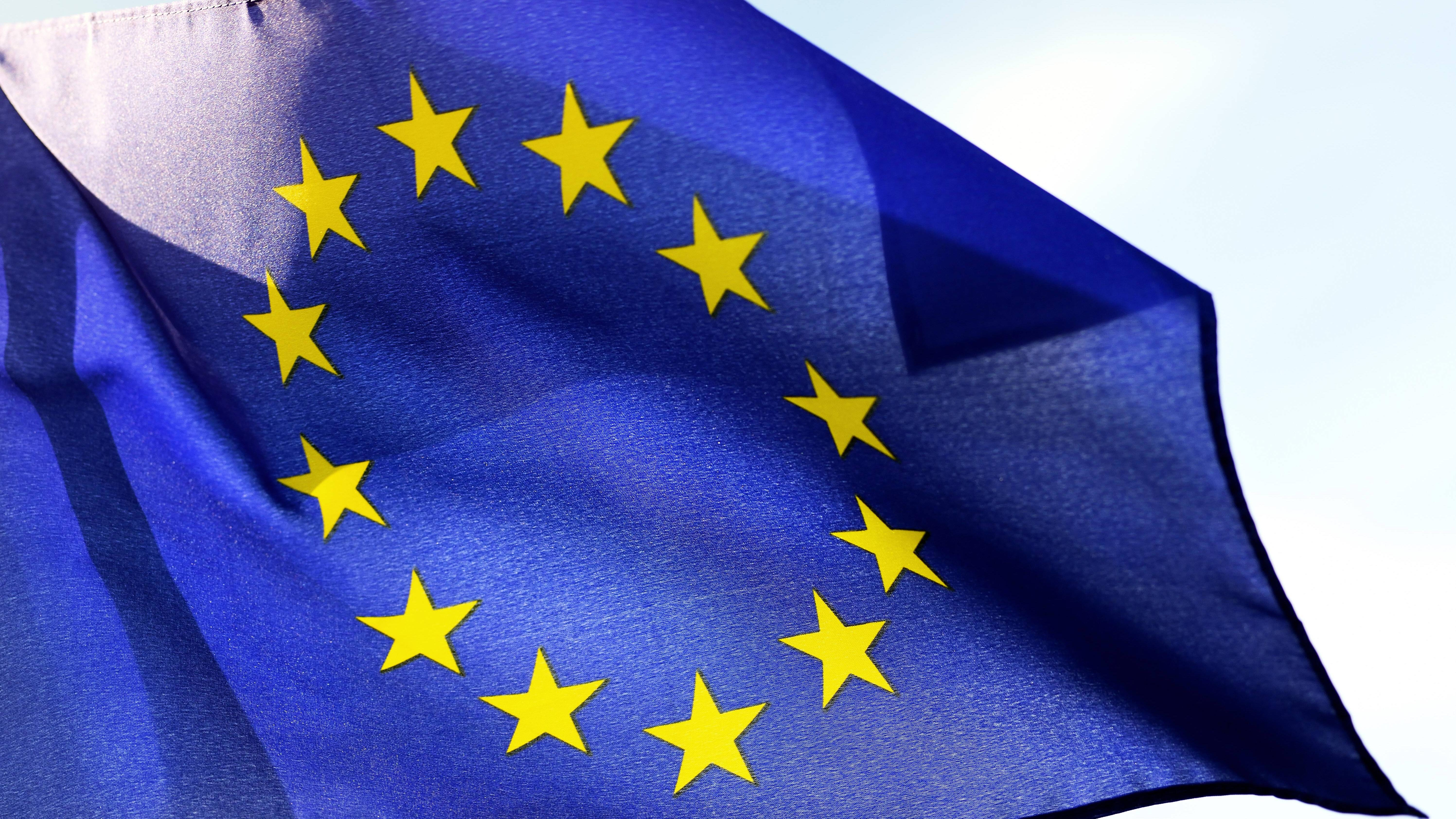 Die 12 Sterne der Europaflagge stehen nicht für EU-Mitgliedsstaaten, sondern für alle europäischen Völker