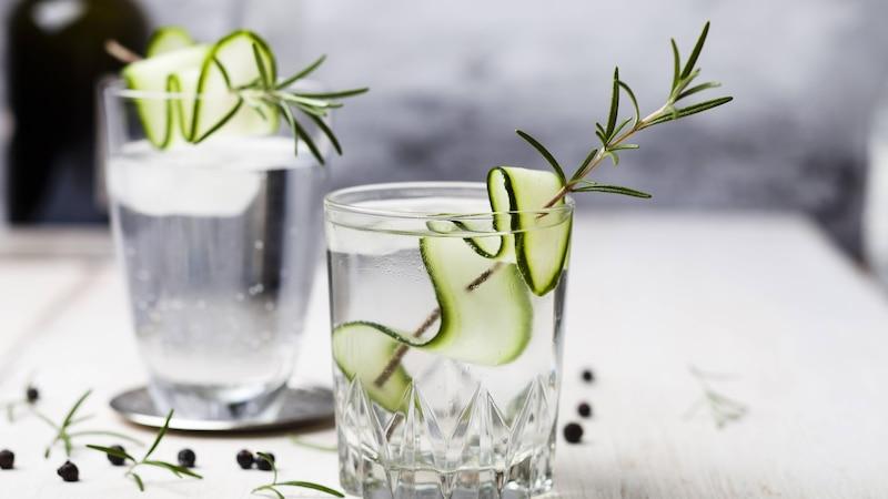 Gin Tonic gegen Heuschnupfen verwenden: Darauf müssen Sie achten