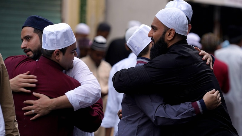Muslime in Indien wünschen sich Eid Mubarak