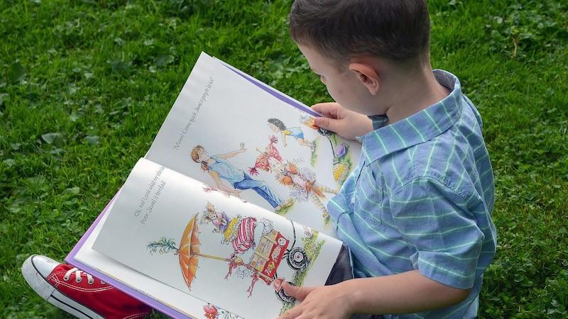 Bücher erklären die Welt – so bekommen Sie Kinderbücher günstiger