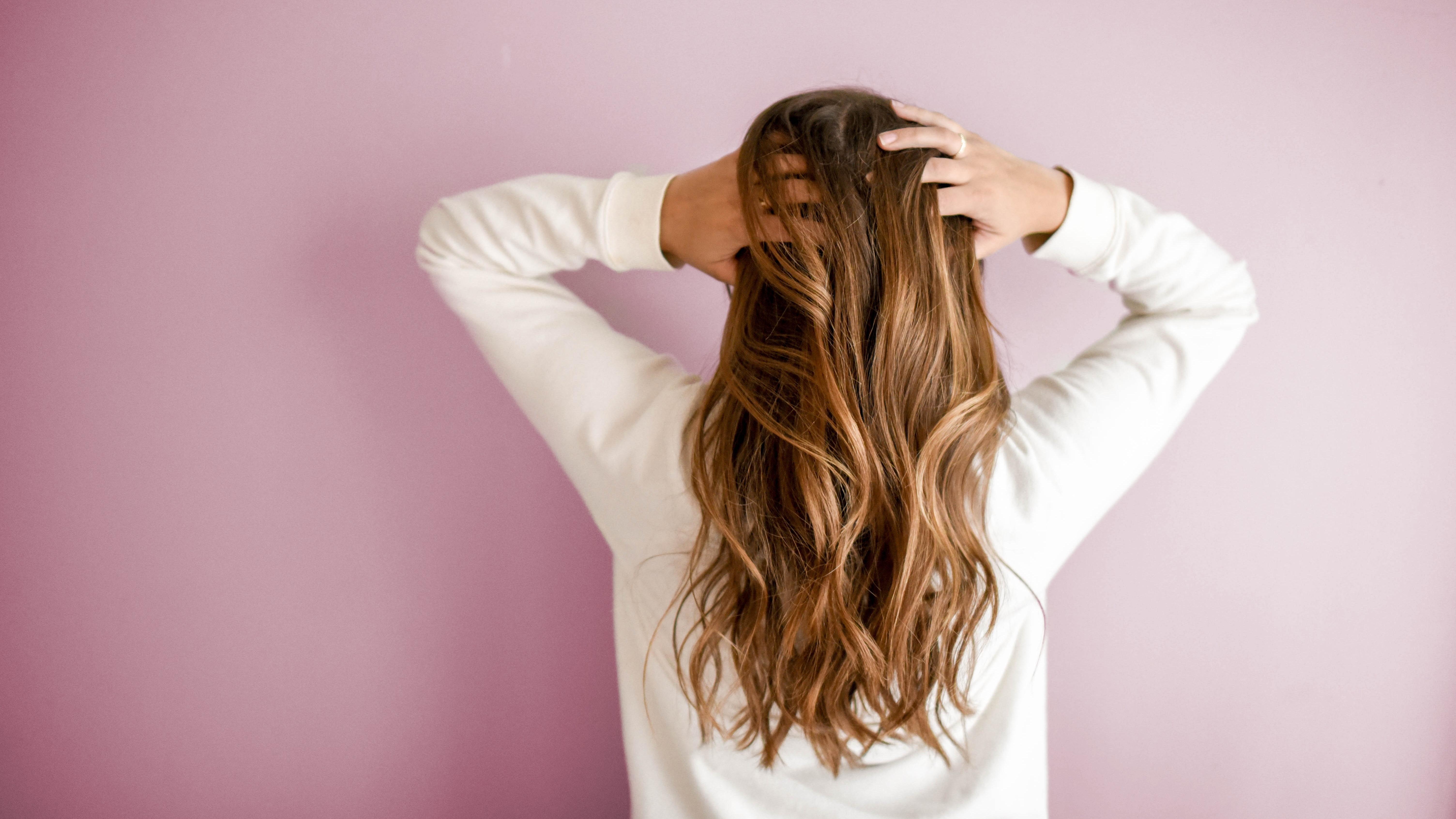 Haare bleichen: Mit diesen 7 Hausmitteln klappt's