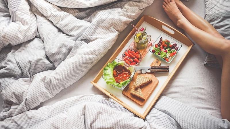 Frühstück im Bett: So wird es lecker und gemütlich