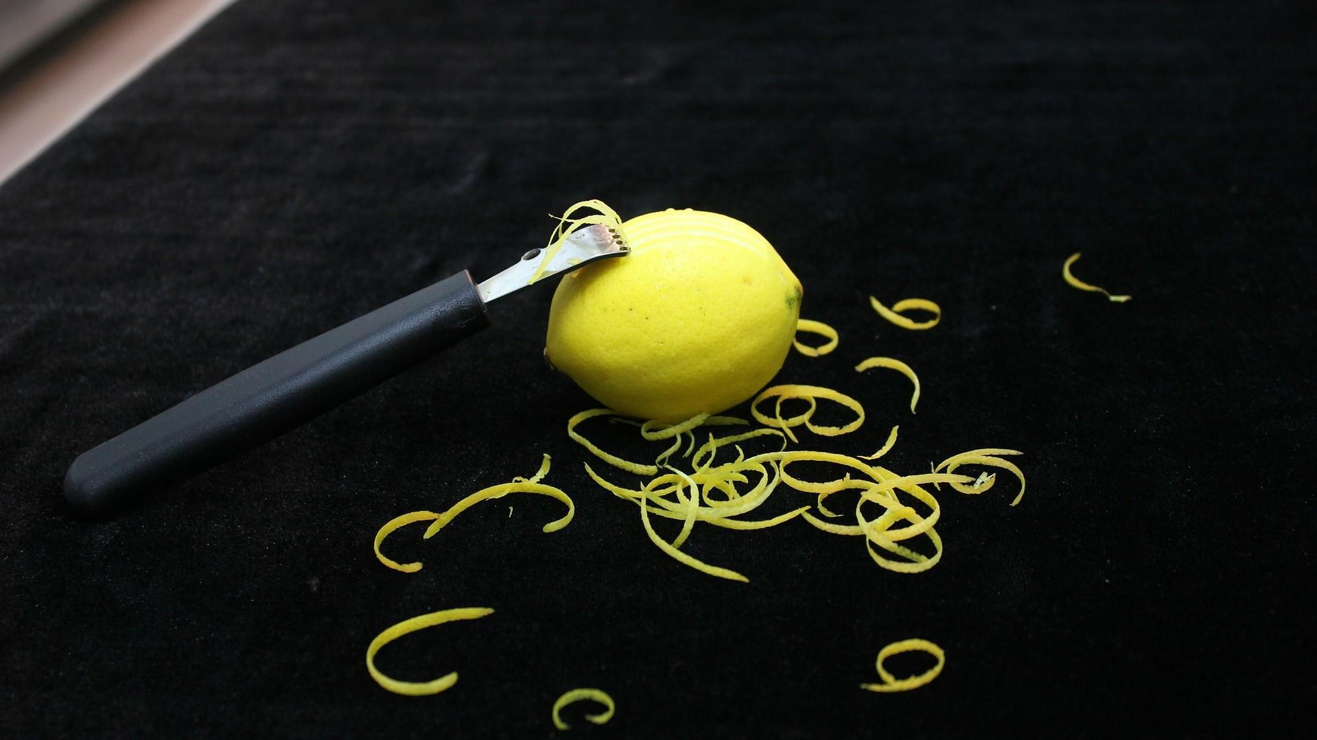 Zitronenschale trocknen - es gibt verschiedene Möglichkeiten