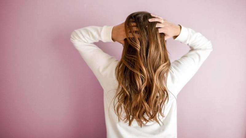 Lange Haare pflegen - Tipps für gesundes, langes Haar