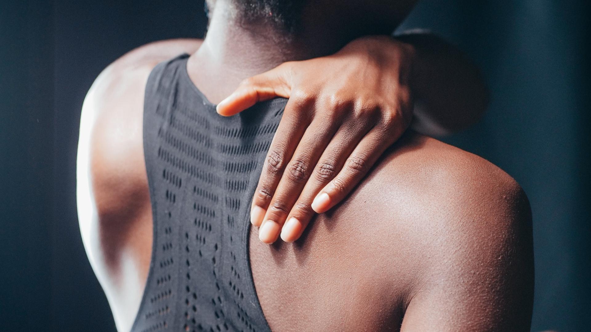 Indem Sie Ihre Rückenhaltung verbessern, können Sie Rückenschmerzen und Fehlhaltungen vorbeugen.