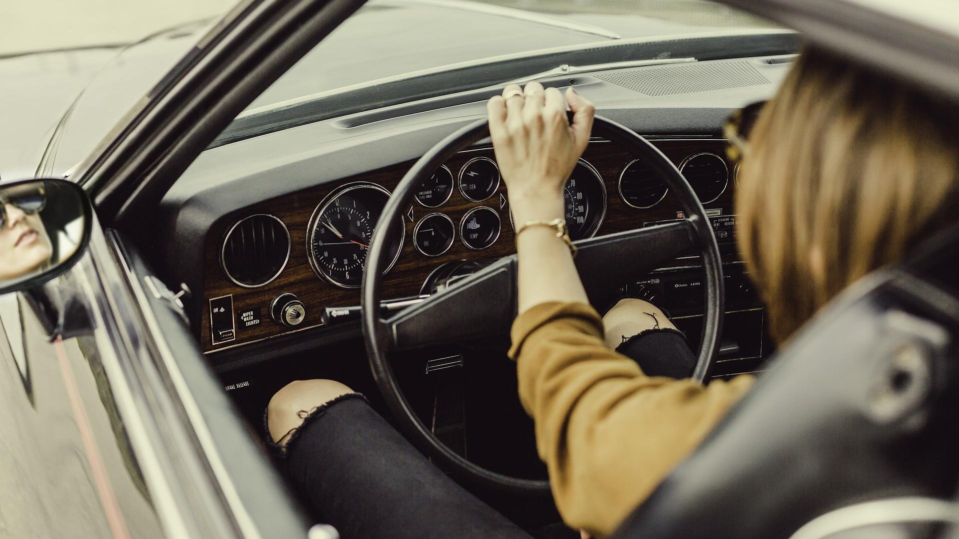 Um Ihre Unsicherheit beim Autofahren zu überwinden, hilft der Rat eines Experten.