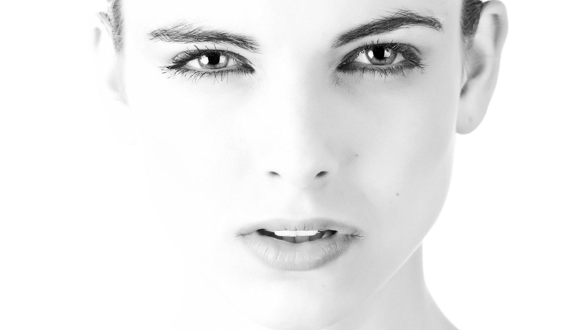 Poren können Sie mit der passenden Routine verkleinern