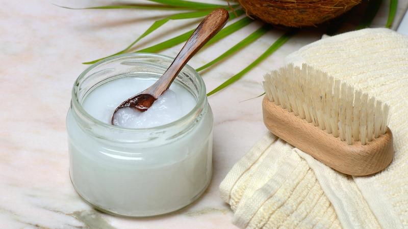 Kokosöl ist als Sonnenschutz nicht so gut wie als Hautpflegeprodukt.