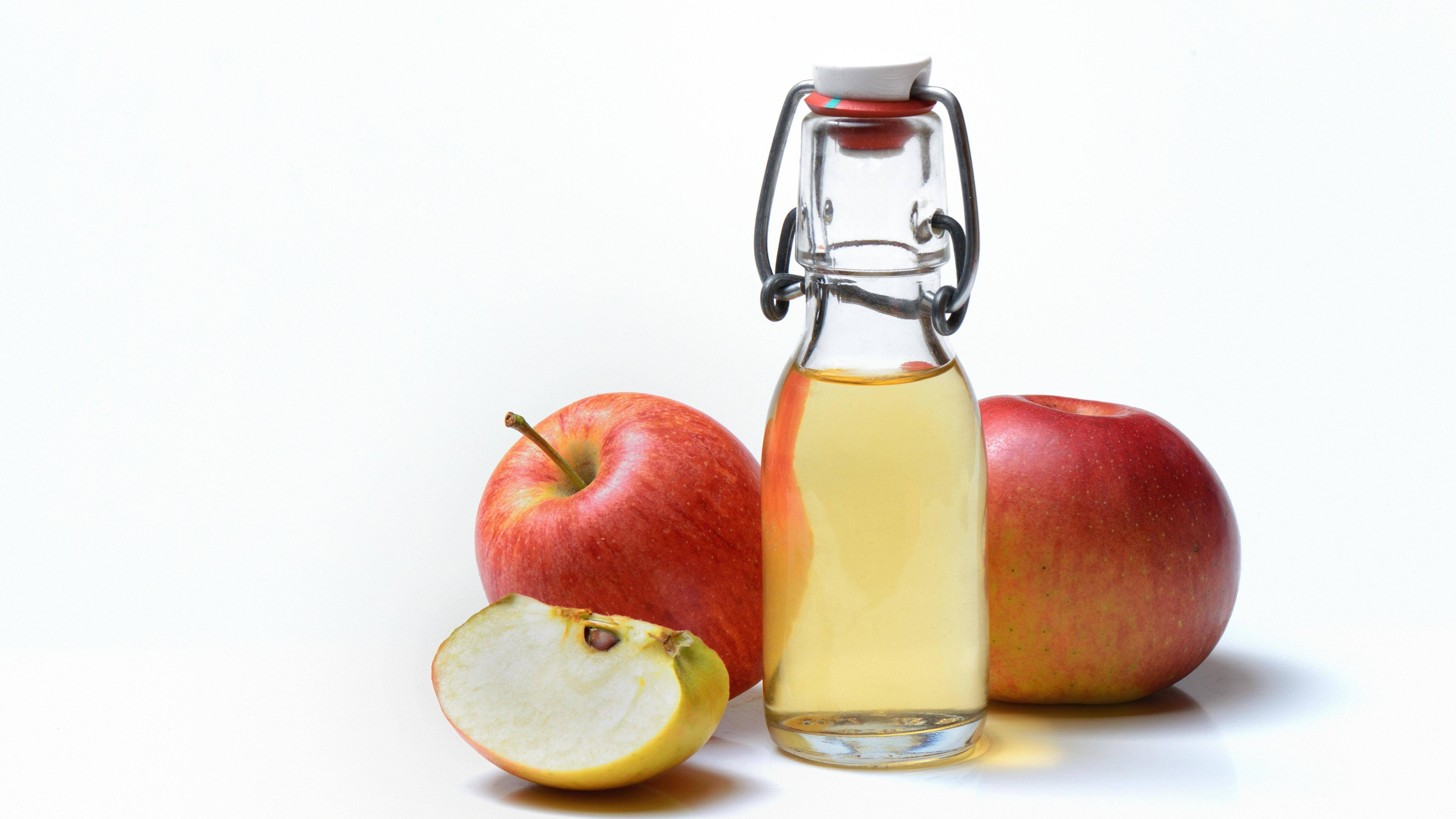 Essig ist gesund für den Körper und wirkt unter anderem entzündungshemmend und antibakteriell.