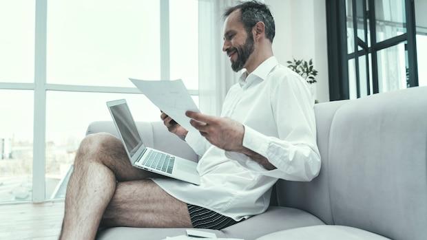 Keine Hose im Home-Office? Geht, aber sollte dann auch keiner merken