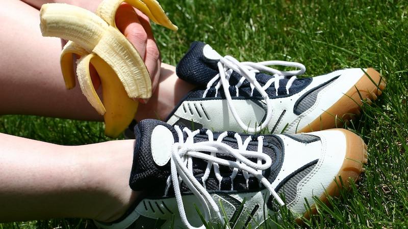 Ein kleiner Snack vor und nach dem Sport kann Ihre Energiereserven wieder auffüllen.
