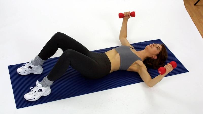 Brusttraining für Frauen: 5 effektive Übungen