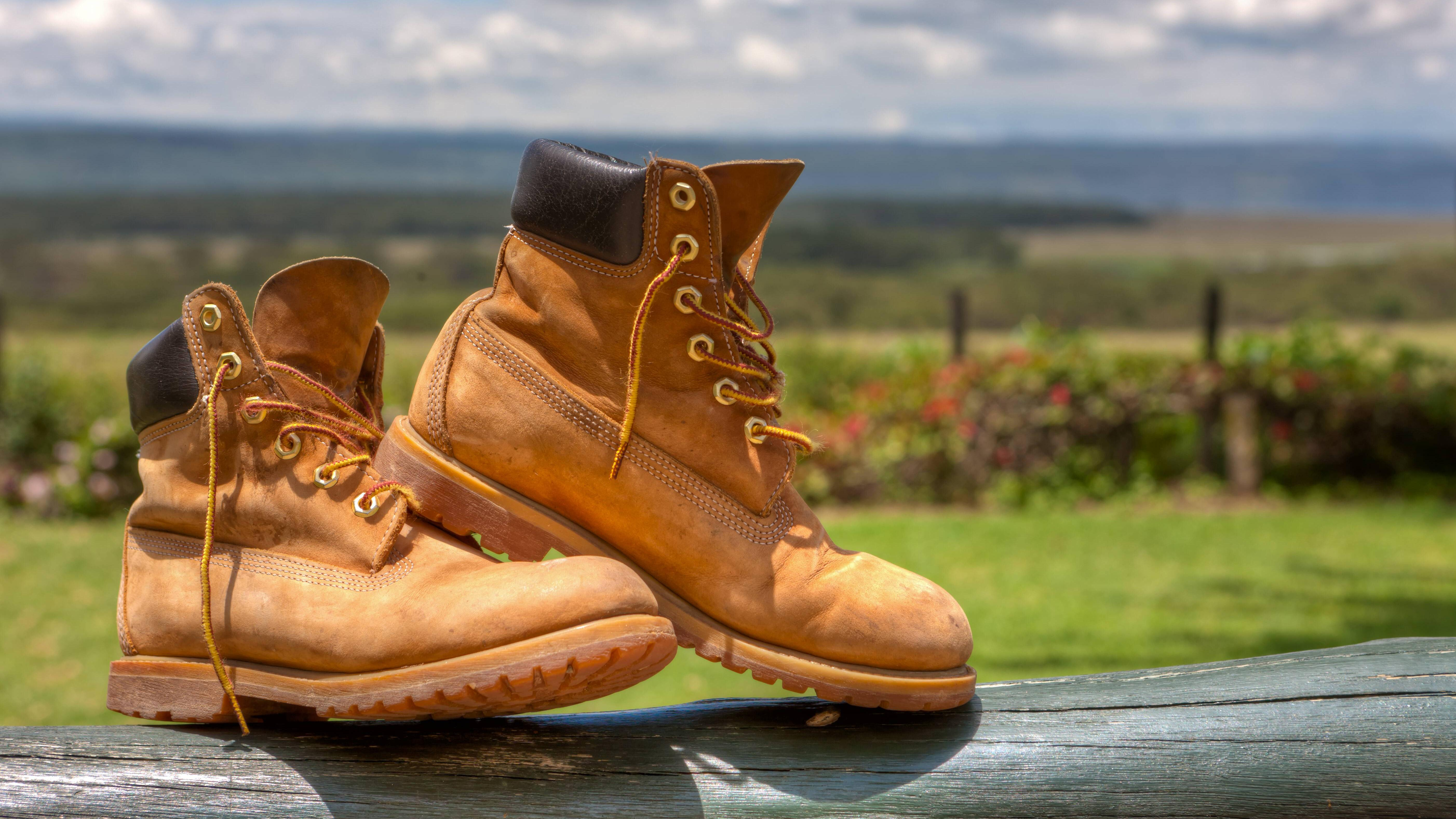 Nasse Schuhe sollten Sie immer trocknen.