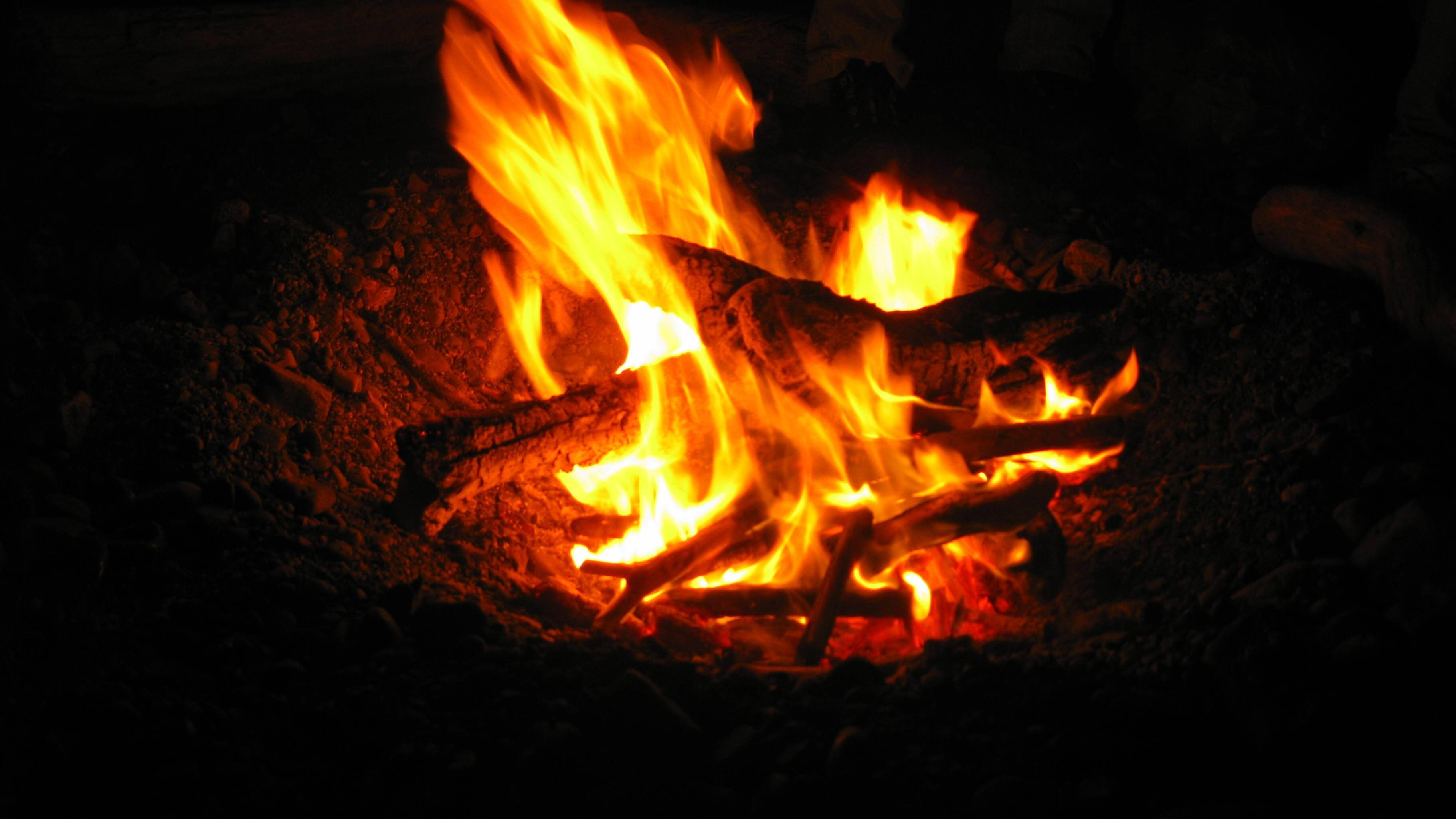Menschen mit Angst vor Feuer meiden Veranstaltungen mit Lagerfeuer.