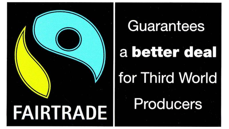 Fairtrade-Baumwolle unterliegt gewissen Standards in der gesamten Produktionskette und steht für fairere Arbeitsbedingungen.