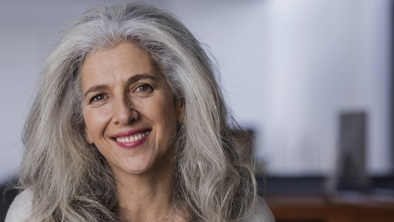 Irgendwann bekommt jeder graue Haare – aber warum eigentlich?