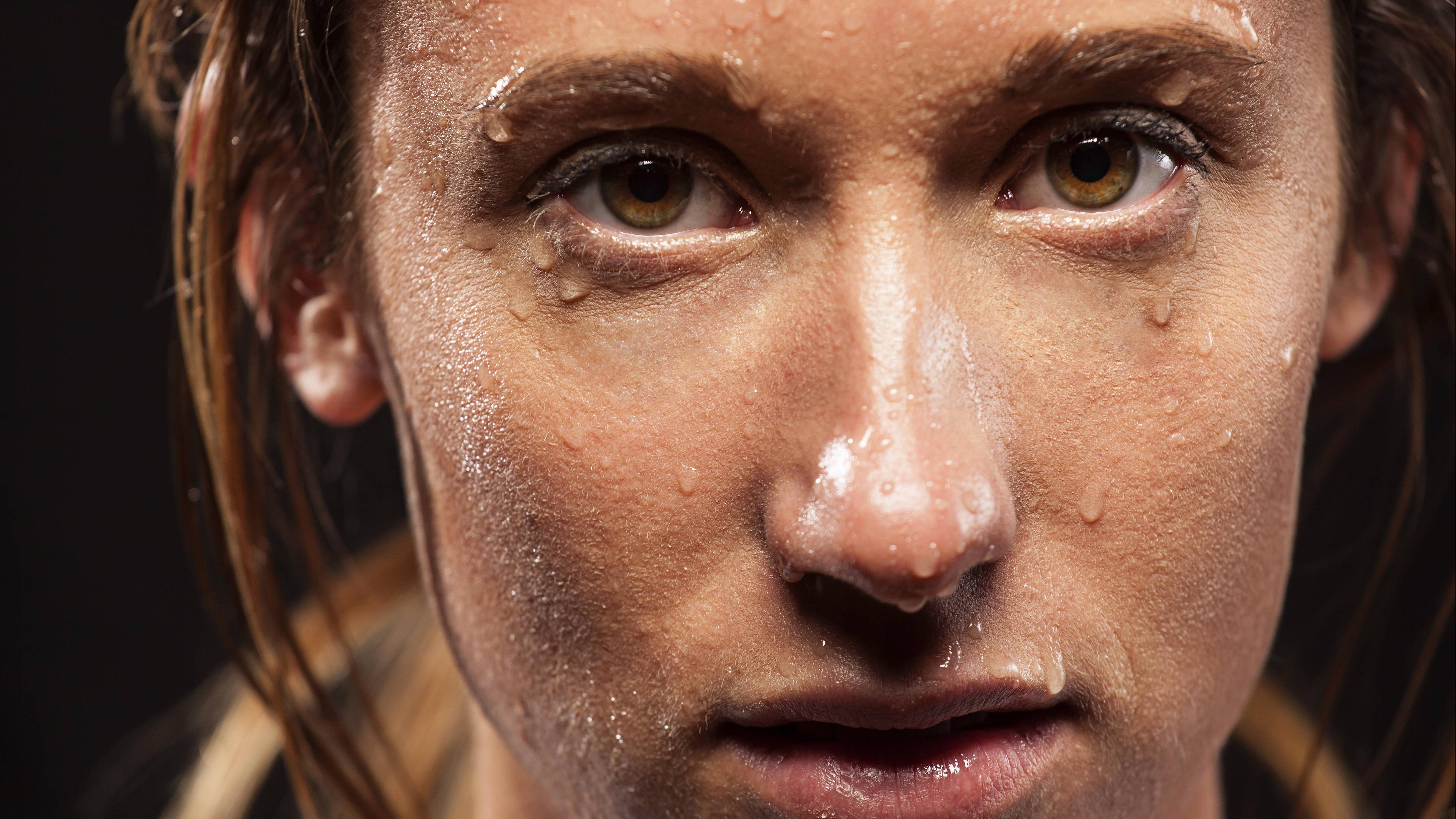 Starkes Schwitzen an Kopf und Gesicht: Ursache und was dagegen hilft