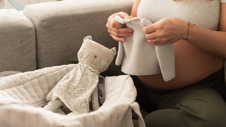 Sie brauchen nicht viele Sachen für Ihr Baby in Ihrer Kliniktasche packen.