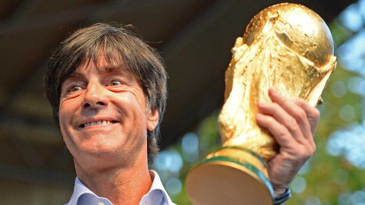 Am Ziel seiner Träume: Löw 2014 mit dem WM-Pokal