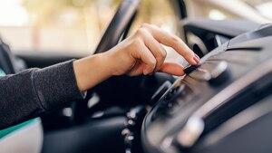 DAB+ Autoradios bieten glasklaren Empfang ohne Störgeräusche.