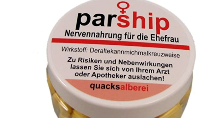 Mit der Pillendose für die Ehefrau, auf der viele lustige Sprüche stehen, haben Sie auch ein fieses Geschenk für Sie gefunden.
