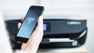 Per AirPrint-Technik können Sie Druckaufträge übers WLAN an den Drucker senden.