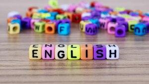 In unserem Vergleich finden Sie drei empfehlenswerte Apps und einen Online-Kurs zum Englisch lernen.