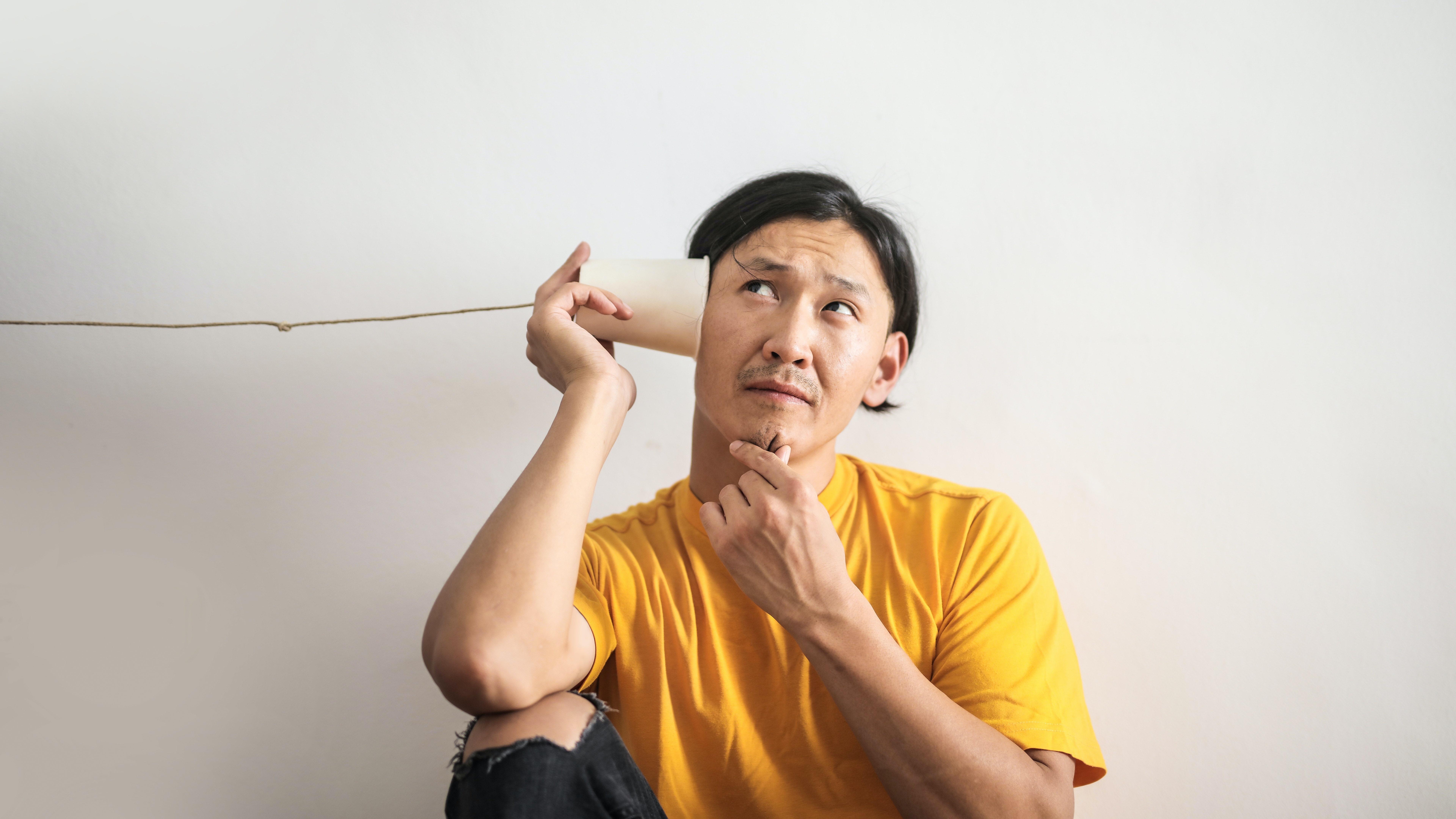 Knacken im Ohr: Ursachen und Behandlung