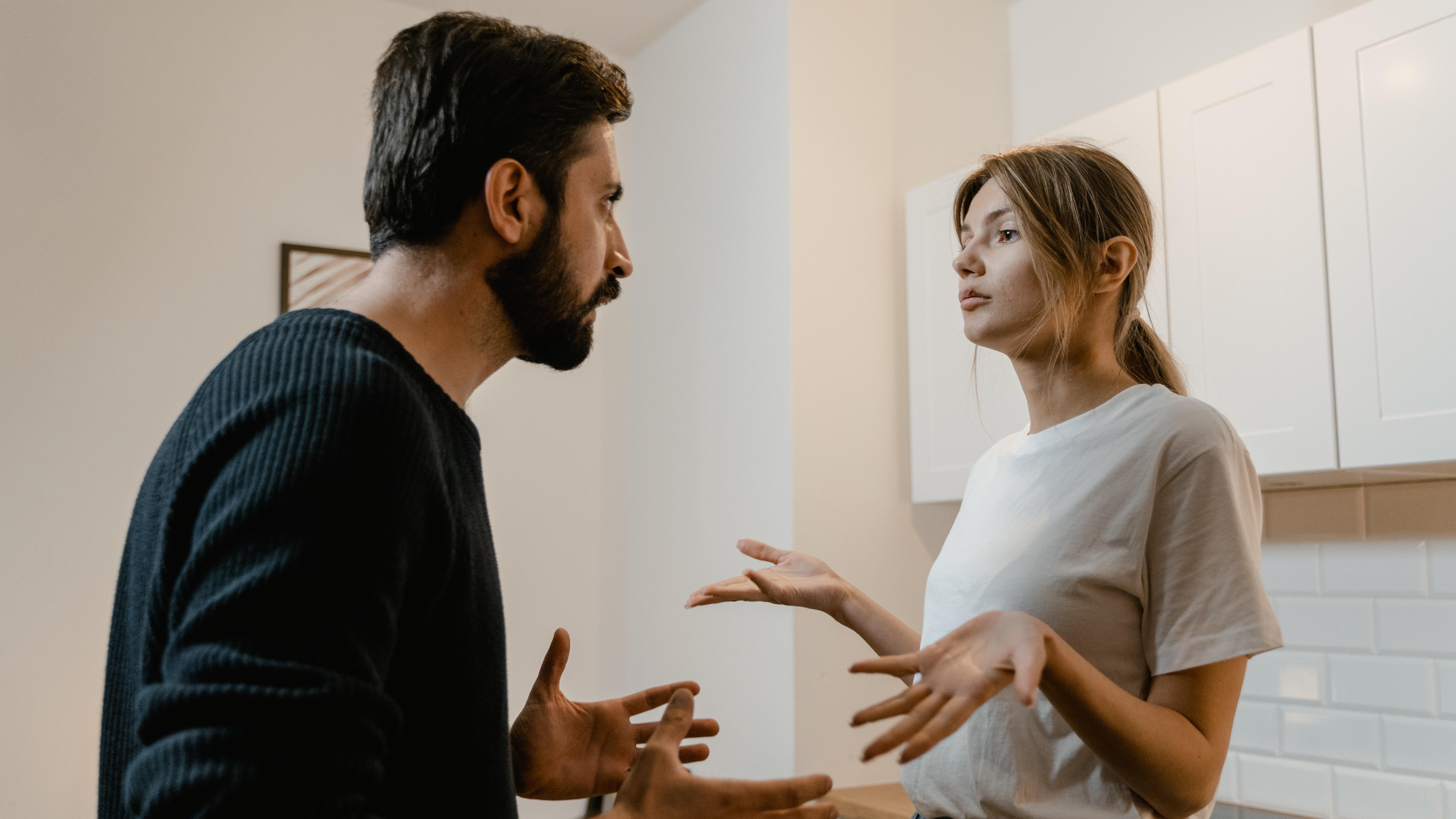 Es gibt Menschen, die in der Liebe Manipulation gezielt gegen ihren Partner einsetzen, ohne dass der Andere etwas davon merkt.