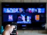 Der Smart-TV bietet praktische Features.
